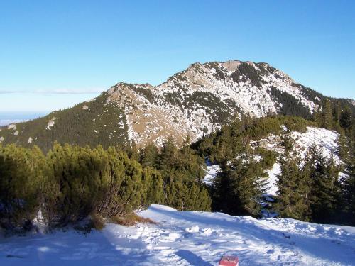 Bobrowiec widziany ze szlaku na Grzesia