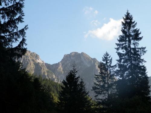 Giewont  widziany  z Doliny Strążyskiej