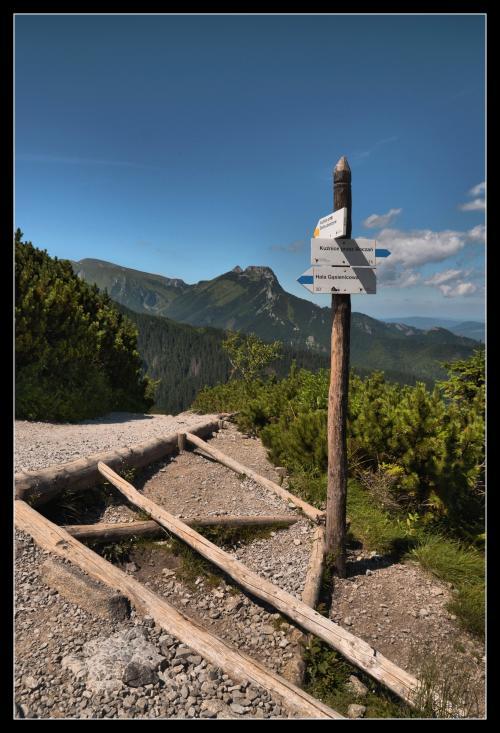 Giewont  z Przełęczy między Kopami