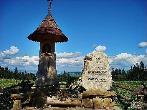 Gubałówka Szlak Papieski-obelisk w hołdzie Papieżowi