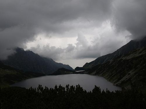 Przed deszczem w Pięciu Stawach