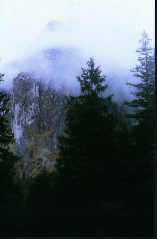 Raptowickie Turnie we mgle