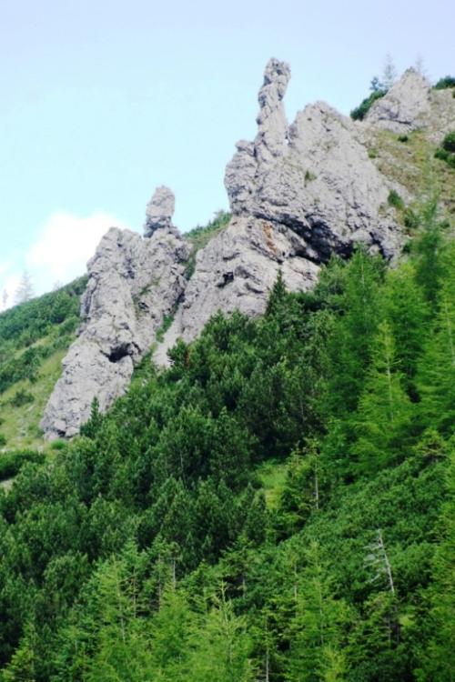 Samotne skałki