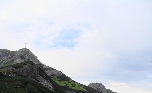 Szczyt Wielkiego Giewontu z Przełęczy Kondrackiej