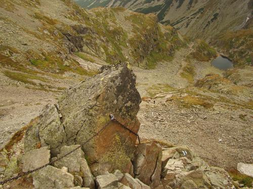 Widok na Zmarzły Staw Gąsienicowy-ze szlaku na Zawrat