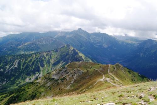 Widok z Kopy Kondrackiej w kierunku Świnicy