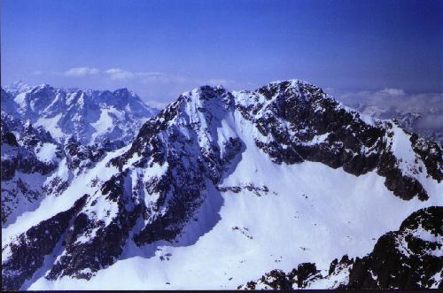 Widok z Łomnicy na Lodowy Szczyt 2628 m.n.p.m.