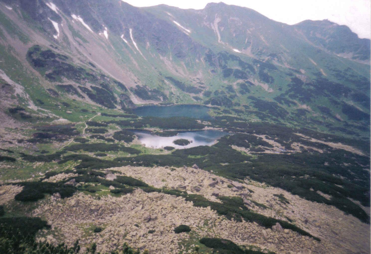 Widok z Przełęczy Karb na Gąsienicowe Stawy