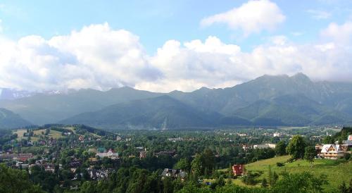 Zakopane z panoramą Tatr
